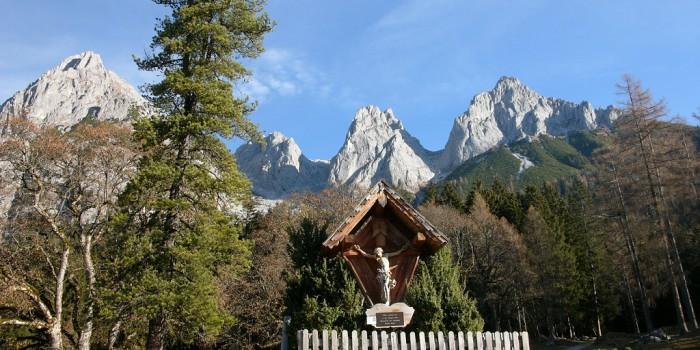 Adlerhorst unterm Hochthron: Werfener Hütte – Tennengebirge
