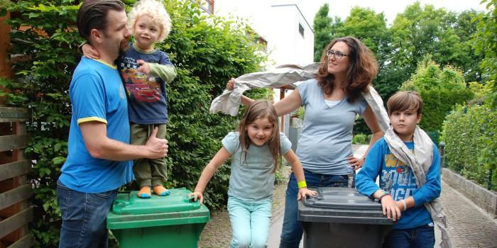 Taten statt Worte: Mit Müll trennen Bares sparen