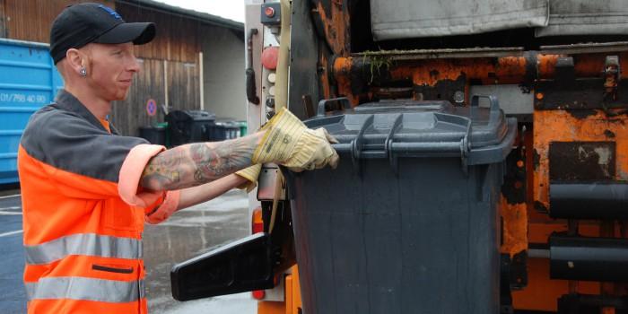 """Ein Müllmann sagt: """"Den Gestank wirst du gewohnt"""""""
