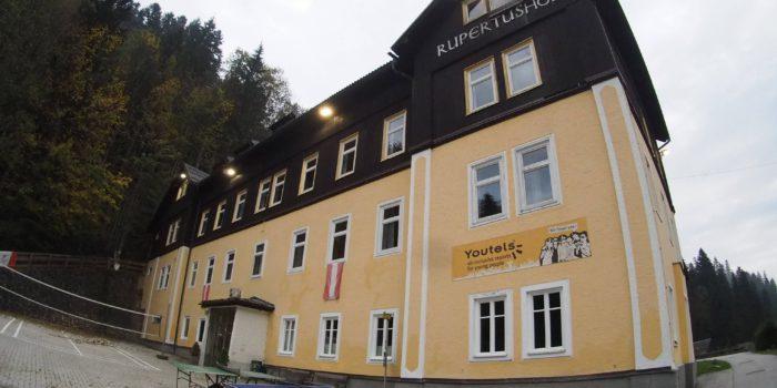 NGO-Asylverein: 277.000 Euro Einnahmen im Monat