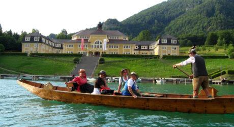 Wie zu Kaisers Zeiten: Holzboot-Rudern am Wolfgangsee