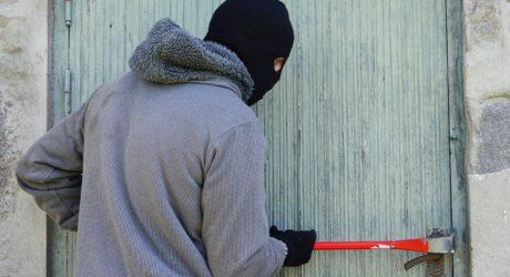 Urlaubszeit: So schützt man sein Zuhause vor Einbrechern