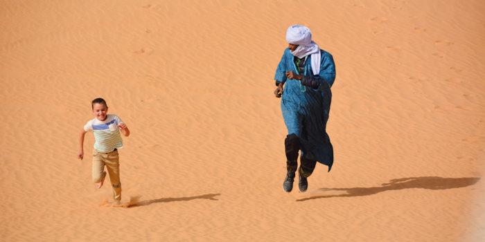 Reisen mit Kind: Unterwegs in einer riesigen Sandkiste