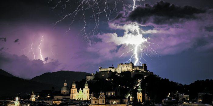 Blitze und Hitze: Ein Supersommer wartet